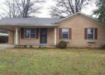Foreclosed Home in Dyersburg 38024 JIM BOWIE RD - Property ID: 3993104567