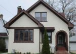 Foreclosed Home in Racine 53403 TAYLOR AVE - Property ID: 3993402382
