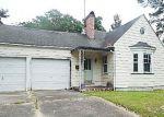 Foreclosed Home in Kinston 28501 N HERRITAGE ST - Property ID: 3994529737