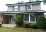 Foreclosed Home in Milwaukee 53224 W FAIRLANE CT - Property ID: 3995116621