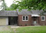 Foreclosed Home in Carbondale 62902 E WALNUT ST - Property ID: 3995470504