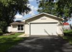 Foreclosed Home in Elgin 60120 HUNTER DR - Property ID: 3996040751