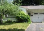 Foreclosed Home in Rochester 14612 SHORECLIFF DR - Property ID: 3999619429