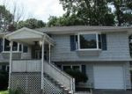 Foreclosed Home in Mastic 11950 APPLEGATE DR - Property ID: 4004738471
