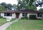 Foreclosed Home in Brenham 77833 WALNUT HILL DR - Property ID: 4006127729