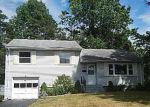 Foreclosed Home in Bloomfield 06002 BANBURY LN - Property ID: 4007725903