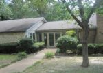 Foreclosed Home in Tyler 75702 N PARKDALE DR - Property ID: 4008602717