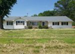 Foreclosed Home in Trenton 64683 E 10TH ST - Property ID: 4009649923
