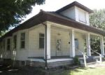 Foreclosed Home in Mount Vernon 62864 SALEM RD - Property ID: 4010091383