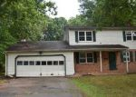 Foreclosed Home in Wallingford 06492 CONCORD LN - Property ID: 4011360640