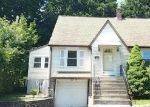 Foreclosed Home in Waterbury 06705 NEWBURY ST - Property ID: 4011379469