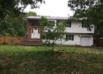 Foreclosed Home in Shirley 11967 GRAND AVE - Property ID: 4011434659