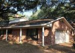 Foreclosed Home in Pleasanton 78064 PULLIAM DR - Property ID: 4013407732