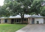 Foreclosed Home in Arlington 76015 RAYNORWOOD CT - Property ID: 4014128636