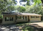 Foreclosed Home in Shirley 11967 W END AVE - Property ID: 4014534637