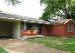 Foreclosed Home in Southaven 38671 SOUTHAVEN CIR W - Property ID: 4014830257