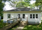 Foreclosed Home in Villa Grove 61956 S SPRUCE ST - Property ID: 4015387816