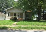 Foreclosed Home in Murphysboro 62966 MAPLE ST - Property ID: 4016025947