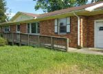 Foreclosed Home in Clarksville 37042 WOODLAWN RD - Property ID: 4018246910