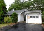 Foreclosed Home in Riverhead 11901 PINE CT - Property ID: 4018808833