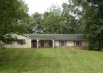 Foreclosed Home in Radcliff 40160 FOREST TRCE - Property ID: 4019358476