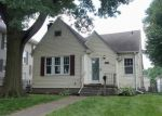 Foreclosed Home in Davenport 52803 WESTERN AVE - Property ID: 4021290380