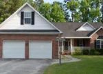 Foreclosed Home in Hope Mills 28348 FINISH LINE DR - Property ID: 4021899154