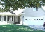 Foreclosed Home in Hubert 28539 BLACKBERRY CT - Property ID: 4021909230