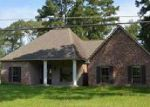 Foreclosed Home in Denham Springs 70726 BROOKS DR - Property ID: 4022236855