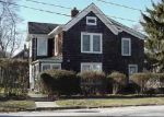 Foreclosed Home in Riverhead 11901 MAPLE AVE - Property ID: 4023633994