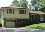 Foreclosed Home in Topeka 66614 SW 32ND ST - Property ID: 4026085768