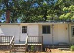 Foreclosed Home in Mastic 11950 OVERLOOK DR - Property ID: 4027524506