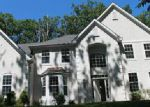 Foreclosed Home in East Stroudsburg 18301 HORSESHOE DR - Property ID: 4028421924