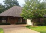 Foreclosed Home in Canton 39046 BEAR CREEK CIR - Property ID: 4029079759