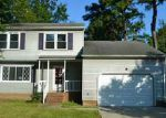 Foreclosed Home in Hampton 23669 KINGS POINT DR - Property ID: 4030108550