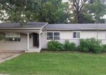 Foreclosed Home in Paragould 72450 W THOMPSON ST - Property ID: 4030645957
