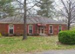 Foreclosed Home in Louisville 40272 LAKERIDGE DR - Property ID: 4032044392
