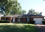 Foreclosed Home in New Albany 47150 AEBERSOLD DR - Property ID: 4032117540