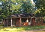 Foreclosed Home in Baton Rouge 70815 SHADY OAKS DR - Property ID: 4033897460