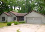 Foreclosed Home in Saint Joseph 49085 CIRCLE DR - Property ID: 4034351651