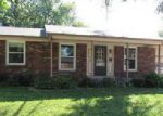 Foreclosed Home in Louisville 40219 HORIZON LN - Property ID: 4034420402