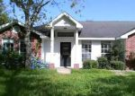 Foreclosed Home in Victoria 77905 LIVE OAK LN - Property ID: 4035450521