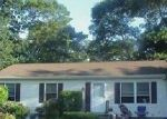 Foreclosed Home in Mastic 11950 PATCHOGUE AVE - Property ID: 4036140323