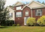 Foreclosed Home in Clarksville 37042 QUICKSILVER LN - Property ID: 4037018470