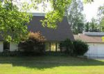 Foreclosed Home in Flint 48532 CASALOMA CT - Property ID: 4037381997