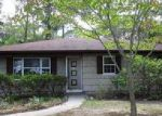 Foreclosed Home in Mastic 11950 PATCHOGUE AVE - Property ID: 4040569111