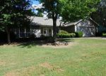 Foreclosed Home in Fayetteville 72703 N CREEKWOOD AVE - Property ID: 4042370956