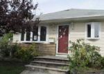 Foreclosed Home in Westbury 11590 LINDY RD - Property ID: 4043090990