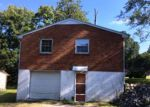 Foreclosed Home in Clarksville 37040 JAY CIR - Property ID: 4044842432