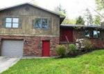 Foreclosed Home in Hazard 41701 WILLIAMS BRANCH RD - Property ID: 4045756482